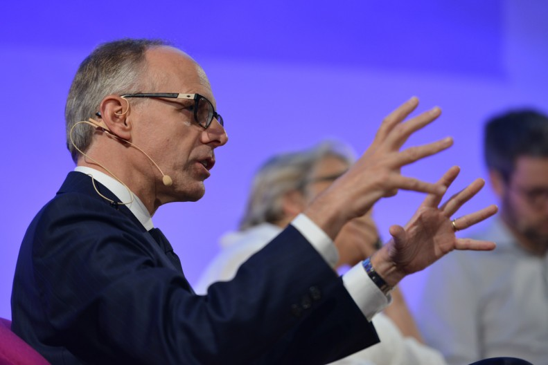 ForumZ: Glocal histories of finance - Luc Frieden